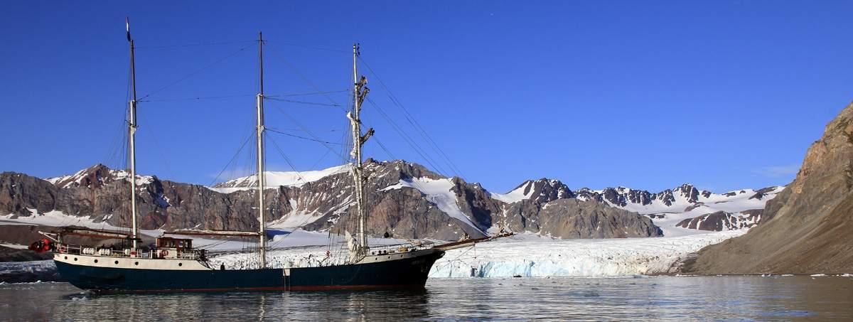 antigua-segelschiff-spitzbergen