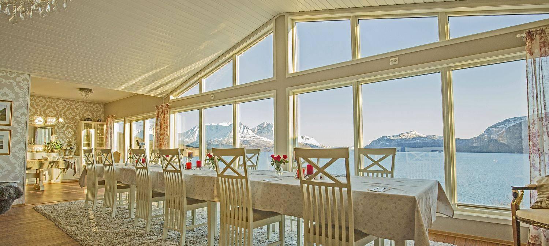 Arctic Panorama Lodge - Aussicht auf den Fjord
